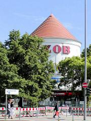 Luftschutzturm / Zombeckbunker am Hamburger ZOB; Nutzung als Schnellrestaurant.