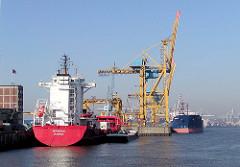 Frachtschiffe im Hamburger Hafen, Hafenbecken Kaiser-Wilhelm-Hafen / Kronprinzenkai (2002)