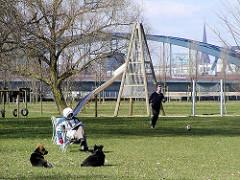 Kinderspielplatz auf dem Elbpark in Hamburg Entenwerder / Rothenburgsort