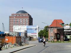 Lawaetzhaus an der Straße Neumühlen in Hamburg Ottensen  (2002).