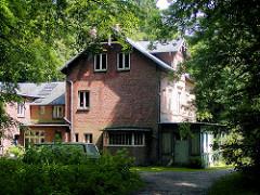 Älteres Foto  von der Villa Mutzenbecher im Niendorfer Gehege.  (2003)