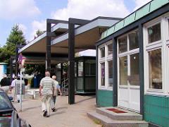 Altere Aufnahme von der Zollstation an der Brooksbrücke  im Hamburger Freihafen; Abfertigunggebäude vom Hamburger Zoll , 2003.