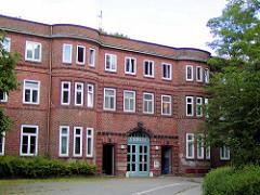 Altes Eingangsgebäude vom ehemaligen Allgemeinen Krankenhaus Eilbek in Hamburg; Architekt Fritz Schumacher.