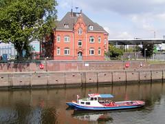 Fotos aus dem Hamburger Stadtteil Rothenburgsort;  Brandshofer Schleuse - Mündung der Bille in den Oberhafenkanal (2003).