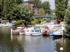 Fotos vom Verlauf der Bille in Hamburg; Marina / Motorboote beim Rückertskanal.