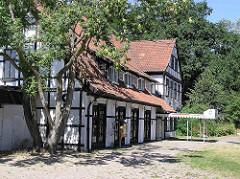 Alte Fachwerkarchitektur / Restaurant an der Aussenmühle in Hamburg Harburg / Stadtteil Wilstorf.