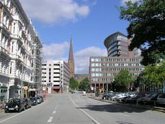 Blick Richung Alter Fischmarkt und der Hamburger Petrikirche in der Altstadt.