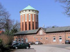 Wasserturm auf dem Gelände vom Allgemeinen Krankenhaus Ochsenzoll - historische Gebäude, Wasserturm und Remise.