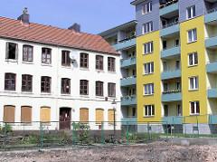 Eines der leerstehenden Terrassenhäuser in der Hamburger Talstrasse - Neubaublock.