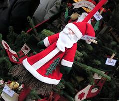 Filzfigur Weihnachtsmann   - Weihnachtsmarkt in  Hamburg.