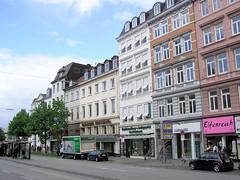 Fotos aus der Dammtorstraße in der Hamburger Neustadt - Innenstadt. Häuserzeile; Gründzeitgebäude, die teilweise zum Abriss vorgesehen sind (06/2005).
