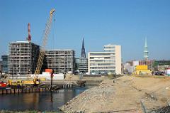 Vorbereitungsarbeiten für den Bau der Marco Polo Terrassen am Grasbrookhafen in der Hafencity Hamburgs.