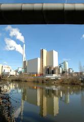 Die Müllverwertungsanlage an der Borsigstrasse in Hamburg Billbrook wurde 1931 in Betrieb genommen und ersetzte die stillgelegte Anlage am Bullerdeich. Fernwärmerohr und Müllverbrennungsanlage Hamburg- Borsigstrasse.