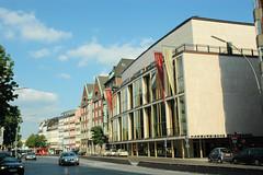 Fotos aus der Dammtorstraße in der Hamburger Neustadt - Innenstadt. Das alte Gebäude des Hamburger Stadttheaters / Staatsoper, das ursprünglich von dem Architekten Wimmel entworfen wurde.