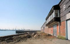 Lagergebäude am Versmannkai / Baakenhafen, Hafenbecken im Hamburger Hafen.