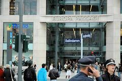 Die Europapassage in der Hamburger Altstadt - vom Hotel zum Kontorhaus zum Einkaufszentrum am Alsterdamm,  Ballindamm.