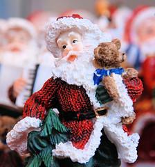 Weihnachtsfigur - Weihnachtsmann aus Plastik, Weihnachtsmarkt in der Hamburger City.