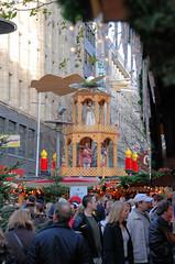Weihnachtsmarkt in der Hamburger Innenstadt - Fussgängerzone, Spitaler Straße.