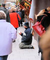 Weihnachtsstimmung auf dem Weihnachtsmarkt an der Hamburger Petrikirche.