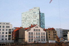 Blick von der Kaiser Wilhelm Strasse zum Gängeviertel an der Speckstrasse - Bürohochhaus / Unileverhochhaus.