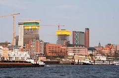 Baustellen am Elbeufer in Hamburg St. Pauli - Landungsbrücken.  (2007)