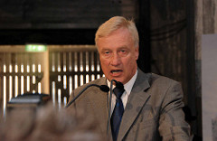 Grundsteinlegung / Baubeginn der Elbphilharmonie in der Hamburger Hafencity - Rede Erster Bürgermeister Ole von Beust.