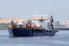Fotos von Schiffen auf Elbe