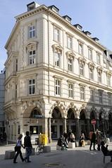 Bilder aus der Hamburger Innenstadt - Stadtteil Neustadt. Die Hamburger  Colonnaden entstanden um 1880 - 1974 wurde die Straße zur Fussgängerzone.