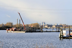 Fotos von der Billwerder Bucht, ursprünglicher Verlauf der Hamburger Norderelbe bis 1879. Abbau der Wassertreppe 51 am Moorfleeter Deich in Hamburg Moorfleet. Der bewegliche Niedergang ermöglichte es bei den unterschiedlichen Wasserständen, die du