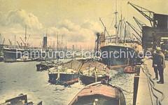 Historische Fotografien aus dem Hafen Hamburgs - Frachtschiff Lastkähne am Kai.
