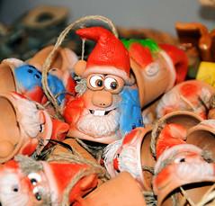 Weihnachtsdekoration - Baumschmuck auf einem Weihnachtsmarkt in der Hansestadt Hamburg.