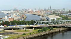 Bilder aus dem Hamburger Stadtteil Hafencity. Blick über den Oberhafenkanal zum Baakenhafen (2011)