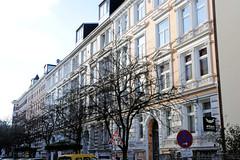 Fotos aus dem Hamburger Stadtteil St. Pauli, Bezirk Mitte; Häuserzeile, Etagenhäuser mit Gründerzeitfassade.