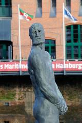 Fotos vom Störtebeker-Denkmal in der Hamburger Ha Fencity.
