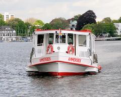 Alsterschiffe der Weissen Flotte in Hamburg; die Ammersbek auf der Aussenalster.