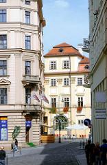 Gebäudefassaden in Brünn, Tschechien; Architekturbilder aus der tschechischen Stadt Brno - historische Etagenhäuser.