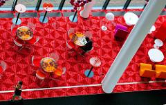 Snackbar der Spiegel-Kantine im Verlagsgebäude in der Hafencity - Entwurf 1969 vom dänischen Innenarchitekten und Designer Verner Panton. Die Speiseräume der unter Denkmalschutz stehenden Kantine sind im Hamburger Museum für Kunst und Gewerbe ausgest