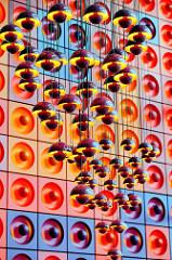 Beleuchtung und Wanddekoration in der  Snackbar der Spiegel-Kantine im Verlagsgebäude in der Hafencity - Entwurf 1969 vom dänischen Innenarchitekten und Designer Verner Panton. Die Speiseräume der unter Denkmalschutz stehenden Kantine sind im Hamburg