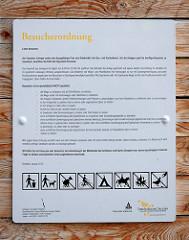 Hausordnung / Besucherordnung am Eingang des Zwingers in Dresden.