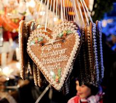 """Lebkuchenherz - Aufschrift """" Gruss vom Nürnberger Christkindlesmarkt """"."""