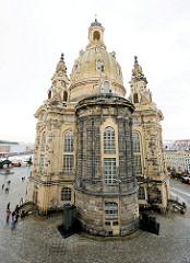 Frauenkirche in Dresden - 1945 im Krieg zerstört, 2005 abgeschlossener Wiederaufbau.