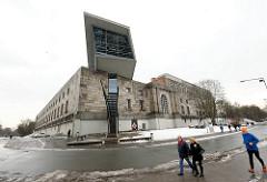 Eingang des Dokumentationszentrum Reichsparteitagsgelände in Nürnberg.