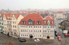 Blick über die Stadt Erfurt - historische Wohngebäude am Domplatz.