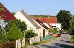 Einzelhäuser mit Vorgärten - Fotos aus Lauterbach / Rügen.