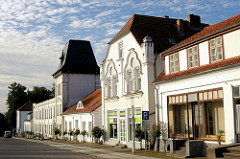 Klassizistisches Gebäude - Circus Putbus, Rügen - restaurierte Architektur.