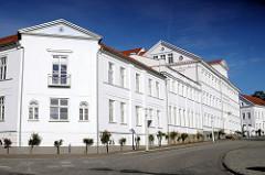 Klassizistische Architektur - Pädagogium Putbus, 1836 in Putbus auf Rügen gegründetes Gymnasium mit Alumnat / Schulheim.