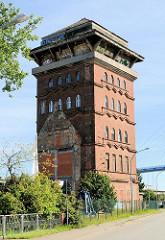Historische Hafenarchitektur im Strasunder Hafen.