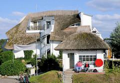 Strohdachhäuser Hafenmeisterei Baabe - Insel Rügen.
