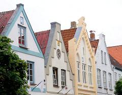 Historische Häusergiebel - Architektur in Friedrichstadt an der Eider.