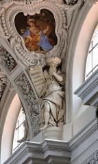 Prächtiger Stuck - Fresko und Skulptur; St. Stephansdom, Passau.